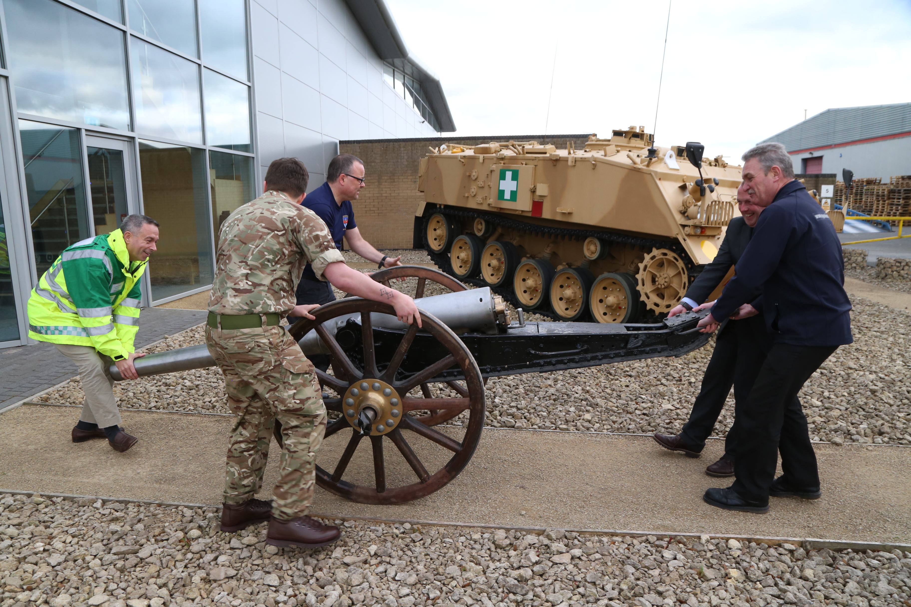 Steve Bray - DMS Whittington Field Gun comes to Bastion House Telford
